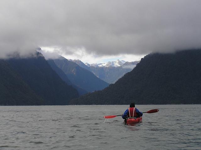 Kayak-en-Torre-del-Paine-Chile