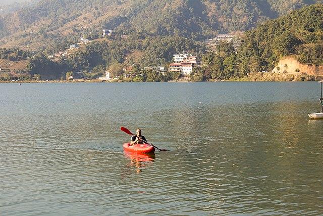 Kayaking-en-Népal