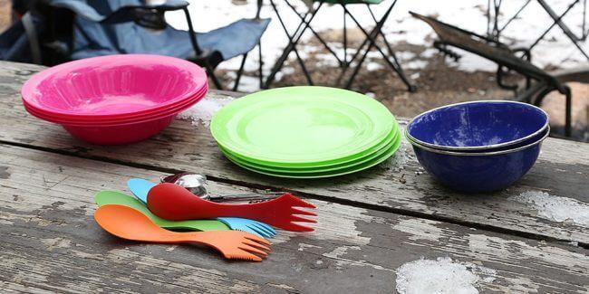 Les meilleurs services de vaisselle et de couverts de camping