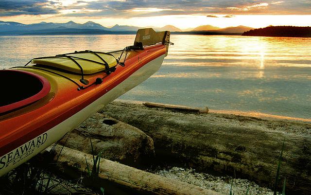 Les 13 différents types de kayaks pour vivre des aventures sur l'eau