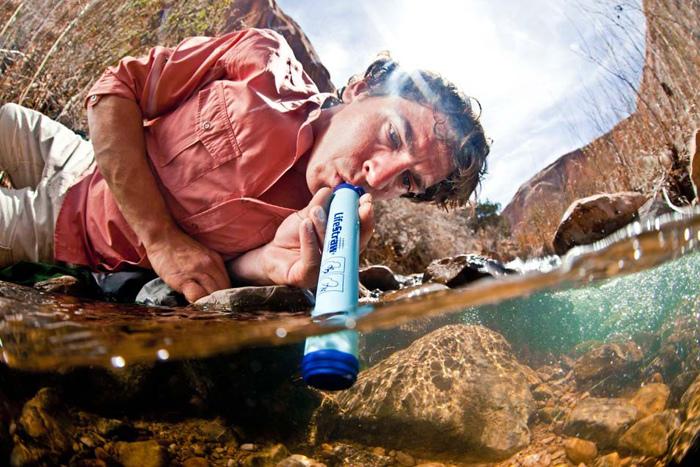 Les 6 meilleurs filtres à eau personnels ou de survie pour une hydratation sûre