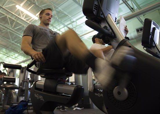 Top 7 des vélos d'exercice inclinés pour le mal de dos