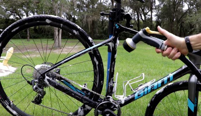 12 étapes pour nettoyer votre vélo et le laisser briller
