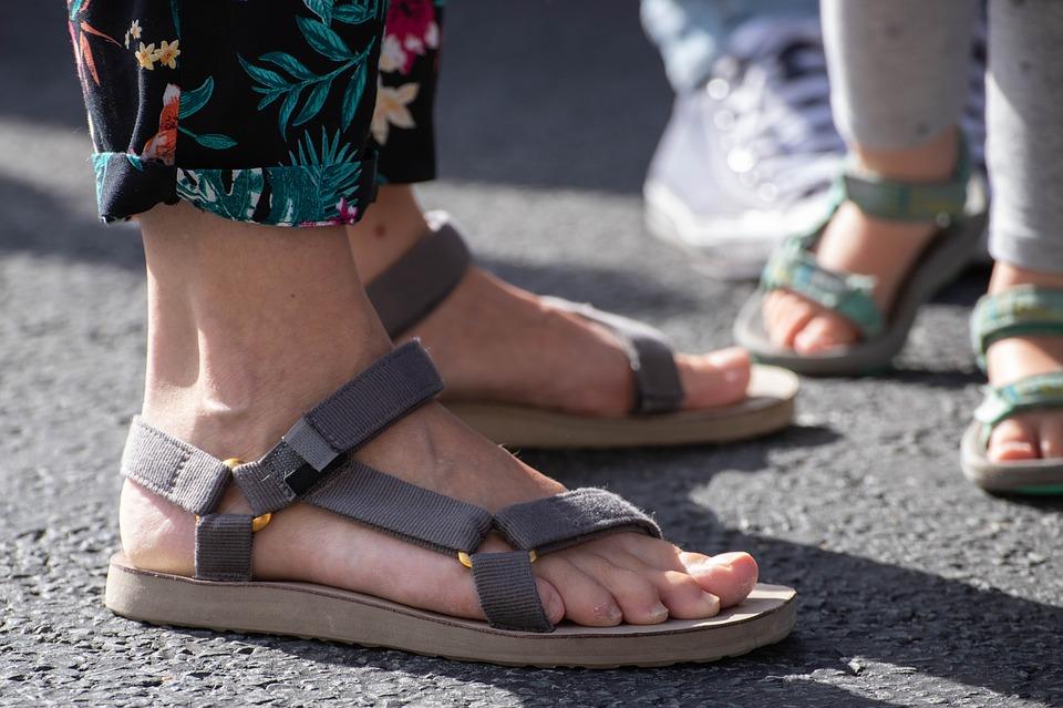 Le top 5 des sandales de sport qui rendront votre journée plus fraîche