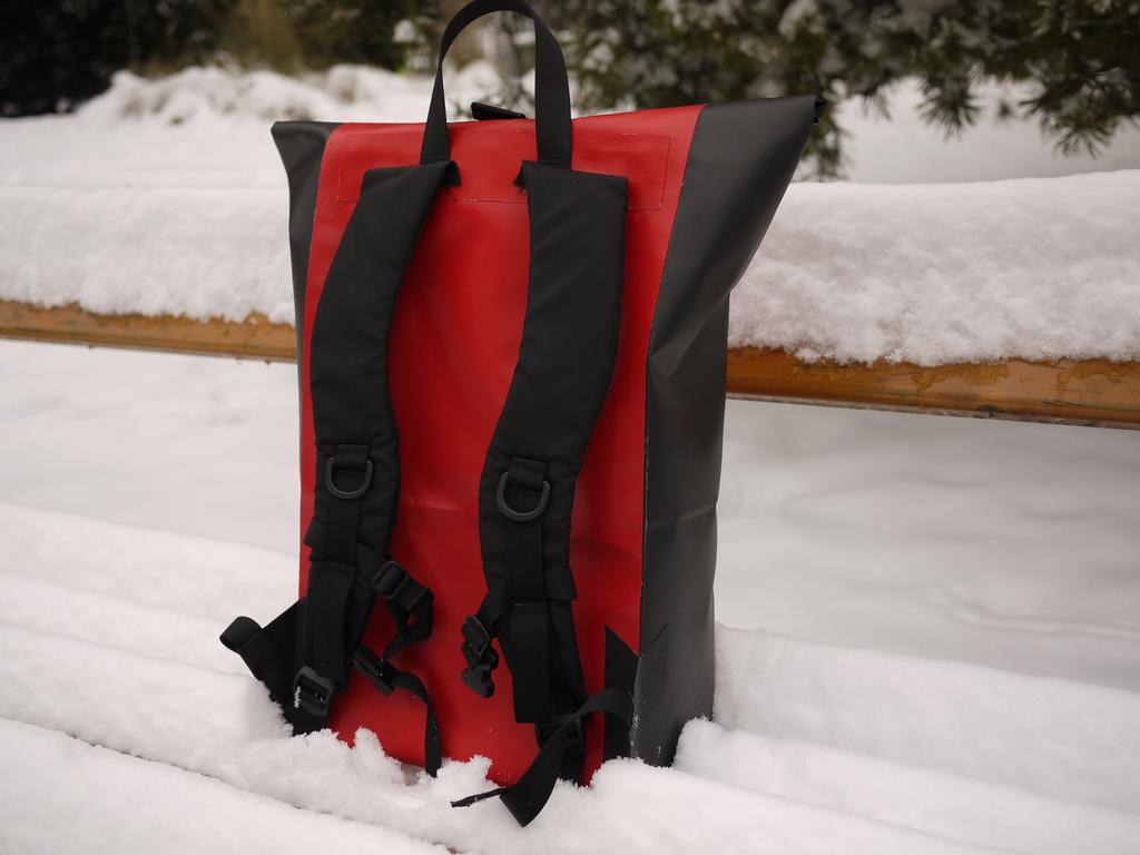 Les 7 meilleurs sacs étanches pour protéger vos biens contre l'eau et les éléments