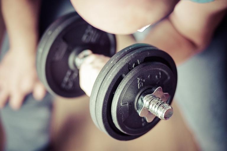 La gymnastique suédoise et l'haltérophilie : Quelle est la meilleure solution ?