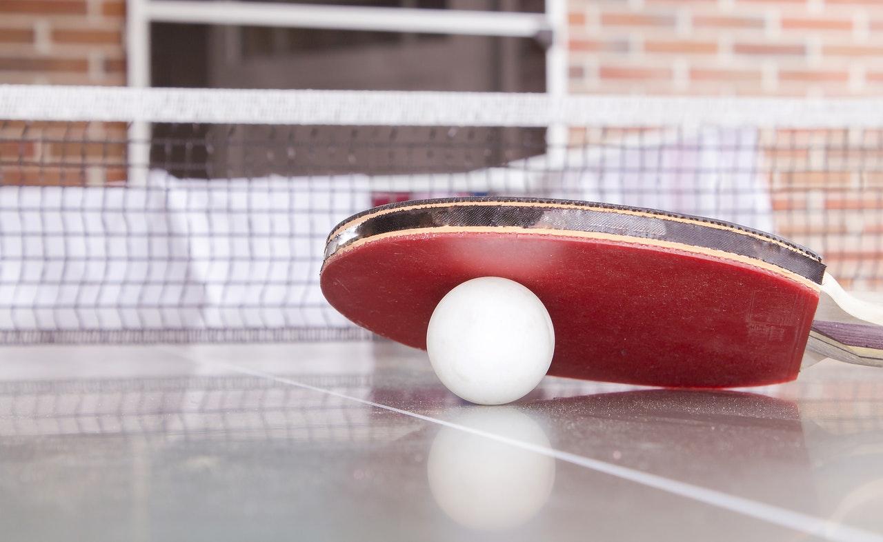 Le tennis de table et le ping-pong, c'est la même chose ?