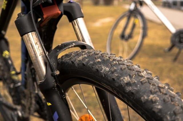 Les 8 meilleurs pneus de VTT avec plus de traction et d'adhérence