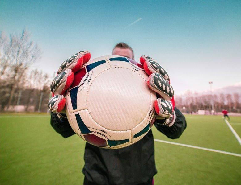 Top 5 des gants de football pour gardien de but avec plus de grip et de protection